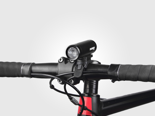 RAVEMEN CR600 bike light integrated design