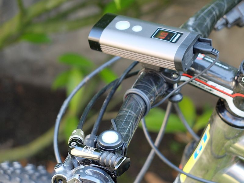 RAVEMEN Bike Light